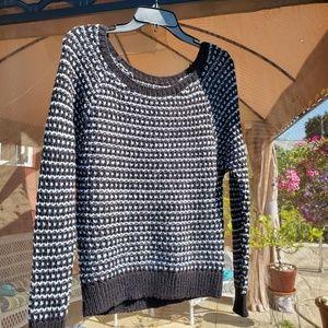 AE black & white scoop neck sweater S GUC